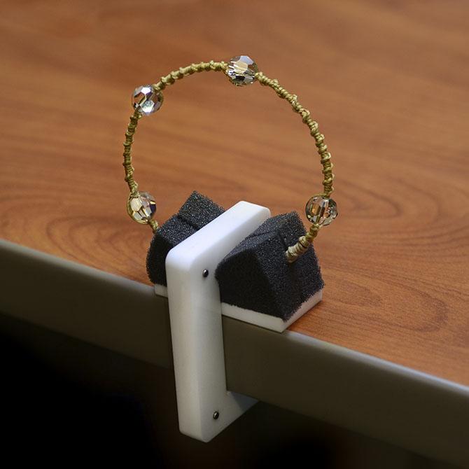 Beadalon Bracelet Knotter Tool