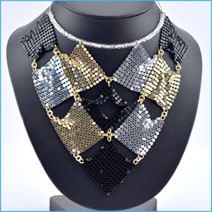 Quilted Diamond Necklace